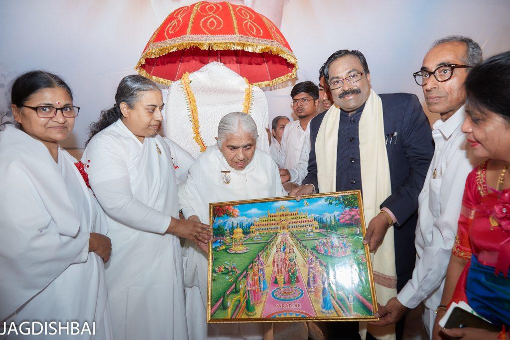 Mumbai - Grand Celebration of 103rd birthday of Dadi Jankiji at Vadala, Sion